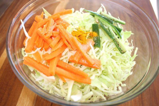 шинкованная капуста с морковью