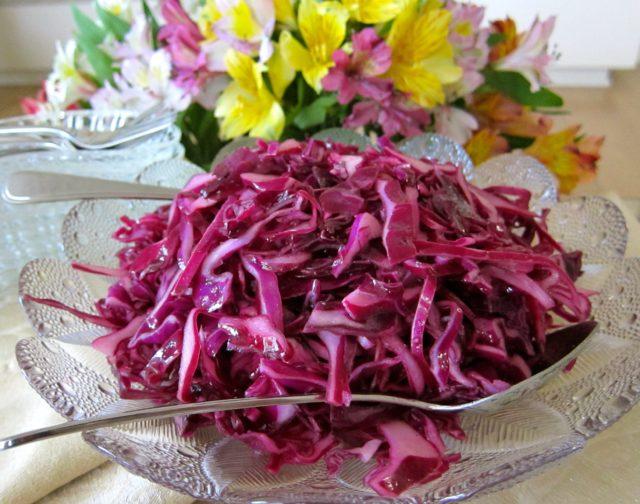 салат из краснокочанной